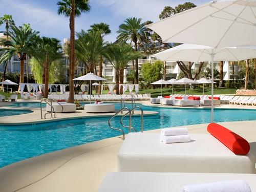 Abkühlung am Hotelpool in Las Vegas
