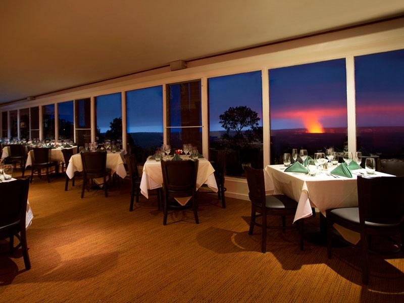Restaurant mit Blick auf den Vulkan