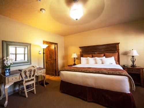 Rustikales Zimmer der Lodge