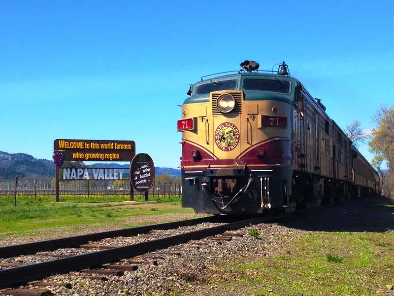 Zug im Napa Valley